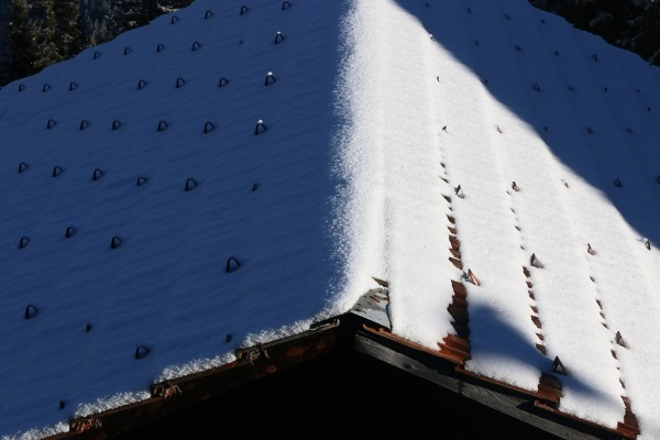 how to find roof damage after winter storm