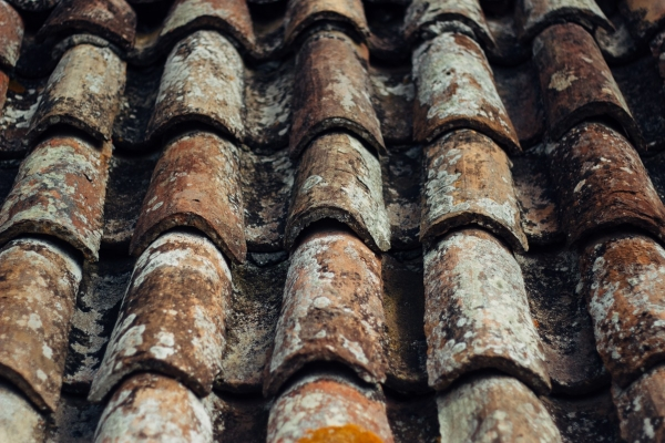 aged clay tile roofing material
